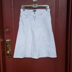 New York & Company White Skirt Size 4